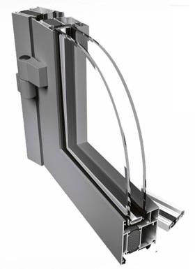PONZIO PE 68 UKS Kolmekambriline süsteem uksele. Süsteemil on ühel tasapinnal asuvad struktuuriprofiilid (sälgu kõrgus on 18 mm) ja võimalus kasutada klaasimisääri. PE 68 süsteemis on 24 mm polüamiidribadega tugevdatud profiilklaaskiud. Spetsiaalselt disainitud ja kokkusobivad profiilid võimaldavad hõlpsat uste ja akende ühendamist. Lengi ja raami profiili paksus on 68 mm. Süsteem võimaldab kasutada laias valikus metalli ja ukselukke. PE 68 võimaldab teha ka muljutud ja pööratud nurkasid.