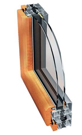 PW 93 PUIT Põhiomaduseks on puidust ja alumiiniumist profiilide ühendus koos termoisolatsiooniga. Raamide ja lengide konstruktsioonide paksust on suurendatud 70–93 mm peale, mis parandab süsteemi termoisolatsiooni ja on massiivsem. Selle süsteemiga saab moodustada erinevaid konstruktsioone: topeltavatavustega aknaid, ülevalt avatavaid ja kaldpööratavaid aknaid, küljele avanevate raamidega aknaid. Süsteemis PW 93 PUIT kasutatakse hea kvaliteediga troopilise puidu profiile. See on vastupidav ilmastikutingimustele ja hea esteetilise väljanägemisega.